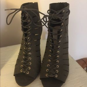 Beautiful lace up olive green heels